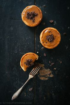 Recipe for crazy delicious chocolate almond tarts with salted dulce de leche and dark chocolate