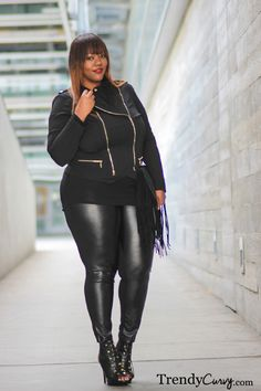#Trendy Curvy - #Plus Size #Fashion   Total black look! Enjoy the outfit :) !