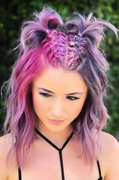 36 Easy Summer Hairstyles To Do Yourself - Flechtfrisuren - Messy Ponytail Hairstyles, Concert Hairstyles, Top Hairstyles, Hair Ponytail, Festival Hairstyles, Braids In Short Hair, Curly Hair, Two Buns Hairstyle, Hairstyle Names
