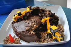 Construction truck cake. Perfect for Arlo's birthday!!!