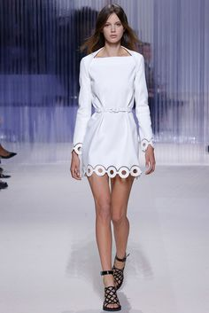 in love with this dress… Carven Spring 2016 Ready-to-Wear Fashion Show #pfw #ss2016