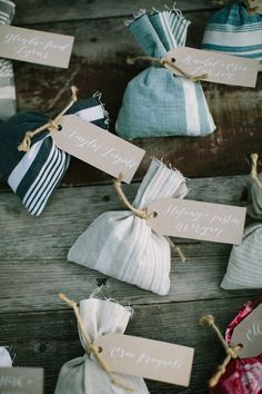 best wedding favors that is gorgeous Creative Wedding Favors, Inexpensive Wedding Favors, Cheap Favors, Rustic Wedding Favors, Diy Wedding Flowers, Personalized Wedding Favors, Unique Wedding Favors, Wedding Napkins, Wedding Favor Tags
