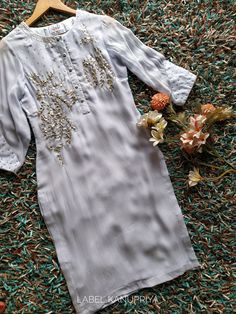 Black Pakistani Dress, Pakistani Dress Design, Pakistani Outfits, Embroidery Suits Design, Embroidery Fashion, Salwar Dress, Anarkali Kurti, Fancy Blouse Designs, Party Wear Dresses