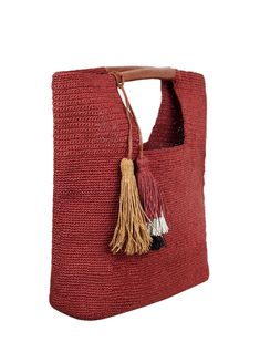 For the majority of women, buying an authentic designer handbag just isn't something to rush into. As these bags can be s Crochet Cap, Crochet Poncho, Bordeaux, Laptop Bag For Women, Mode Jeans, Straw Handbags, Diy Handbag, Art Bag, Craft Bags