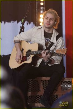 5 Seconds of Summer Perform Four Songs On 'Today' - Watch Them All Here!: Photo #885520. 5 Seconds of Summer are just taking over New York City to promote their brand new album, Sounds Good Feels Good. The guys -- Ashton Irwin, Luke Hemmings, Calum…