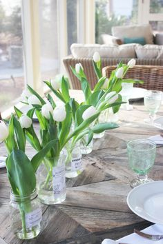 FEATURING WHITE TULIPS Welcome to My Spring Home Tour.I'm excited about today linking up with some really talented bloggers for a St Patrick's Home Tour
