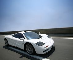 One of my all time favorite car pics of one of my all time favorite cars. White F1, only white Enzo compares.