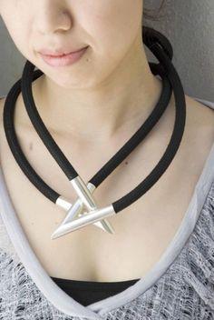 Hercules Knot Halskette von VerenaSchreppel auf Etsy, €480.00