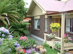 small garden house designs