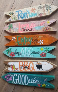 Beach Signs Wooden, Diy Wood Signs, Vintage Beach Signs, Tiki Party, Luau Party, Wood Crafts, Diy And Crafts, Tiki Bar Decor, Deco Nature