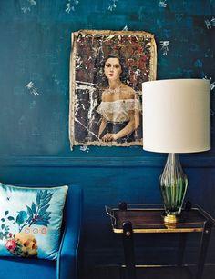 fav shade of blue | midcentury perfection | blue wallpaper & Mexican art = winning combo | www.bemz.com