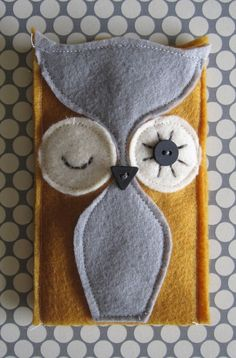 Felt Owl Cozy for iphone by frauleinschmidt on Etsy