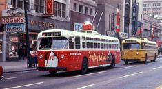 City Transit Company Christmas trolley bus in Dayton, circa Dayton Ohio, Columbus Ohio, Cincinnati, Cleveland, Bus City, Vintage Christmas Photos, Vintage Photos, Small Town America, Chevrolet Trailblazer