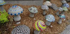 How to Make Concrete Mushrooms – Craft projects for every fan! Mosaic Projects, Diy Garden Projects, Garden Crafts, Craft Projects, Recycled Garden Art, Craft Ideas, Plaster Crafts, Concrete Crafts, Concrete Art