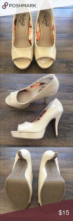 Nude heel Nude platform heel. Worn once to a wedding. One very small scratch on side of shoe seen in picture 4. Otherwise perfect condition. Medium width. Size 7.5 . Still have the original box Unlisted Shoes Heels
