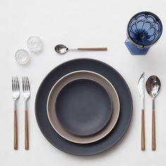 Heath Ceramics in Indigo & French Grey + Teak Flatware + Dark Blue Goblet + Antique Crystal Salt Cellars Heath Ceramics, Dinner Sets, Dinnerware Sets, Photoshop Elements, Tabletop, Home Accessories, Kitchen Decor, Table Settings, Pottery
