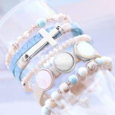 Combineer trendy artikelen voor sieraden en creëer een frisse fashion look! Handmade Jewelry, Beaded Bracelets, Gold, Inspiration, Prints, Fashion, Crystals, Veneers Teeth, Glass Beads