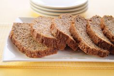 Searching for a better-for-you banana bread? Try this easy-to-make banana bread recipe that& packed with ripe bananas and wheat bran cereal. Kraft Recipes, Dessert Recipes, Dessert Ideas, Delicious Desserts, Make Banana Bread, Banana Bread Recipes, Bran Bread Recipe, Calumet Baking Powder, Bran Cereal