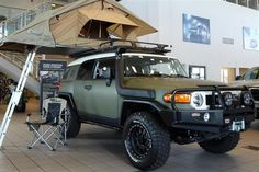 Toyota FJ Cruiser with The ARB Simpson III Roof Tent. http://arb.com.au/products/fridges-camping-accessories/tents-and-swags/