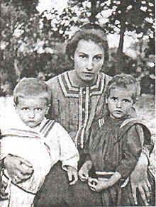 Zinaida Yefgenyevna Serebryakova.  1884-1967   Realist painter. Left the Soviet Union in the early 1920s and emigrated to Paris.
