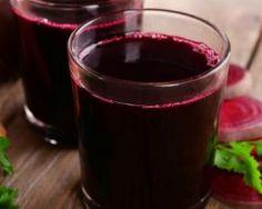 Jus de légumes détoxyfiant de grand-mère : http://www.fourchette-et-bikini.fr/recettes/recettes-minceur/jus-de-legumes-detoxyfiant-de-grand-mere.html