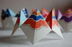 Fortune Teller: Make your own fortune teller using this design by Sara of Minimega.