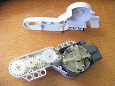 NXT® motor internals Lego Nxt, Lego Robot, Robots, Lego Mindstorms, Lego Technic, Lego Design, Robot Design, Lego Jewelry, Learn Robotics