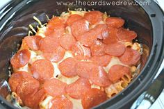 Need an easy meal idea for busy week nights? Look no further than this yummy and easy Crockpot Pizza Casserole!