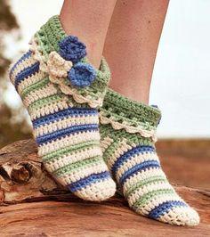 Best 11 10 Free Crochet Bootie Patterns – Link Blast – Meladora's Creations – SkillOfKing. Easy Crochet Slippers, Crochet Slipper Boots, Crochet Slipper Pattern, Free Crochet Bootie Patterns, Crochet Stitches, Knitting Patterns, Loom Knitting, Knitting Socks, Free Knitting