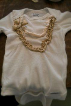 #DIY baby onesie www.2dayslook.com