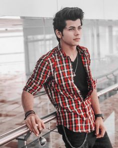 Siddharth Nigam New HD Wallpapers & High-definition images Stylish Shirts, Stylish Boys, Stylish Girls Photos, Girl Photos, Hd Photos, Handsome Celebrities, Cute Celebrities, Celebs, Photo Pose For Man