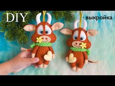 Felt Christmas Ornaments, Christmas Deco, Baby Mobile Felt, Felt Crafts Patterns, Sewing Stuffed Animals, Reno, Felt Toys, Baby Room Decor, Xmas Decorations