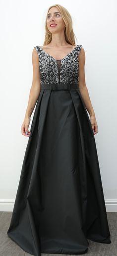 9cf29257b34 Sortez la femme glamour et chic en vous avec cette robe en encolure  accessoirisée