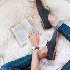 What makes the perfect pair? Oliver Oxfords and a good read. Photo by @ chelsieantos