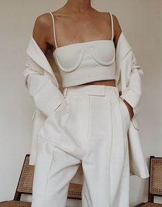 May 2019 - Orseund Iris Ivory Tube Cropped Top , Pixie Market Oversized Linen Blazer , Pixie Market Oversized Linen Trousers Black And White Outfit, White Outfits, Classy Outfits, Vintage Outfits, Trend Fashion, Look Fashion, Fashion Outfits, Womens Fashion, Fashion Design