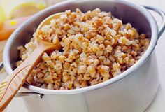 Cum slabesti aproape un kilogram pe zi cu dieta cu hrisca si kefir Russian Recipes, Russian Foods, Kefir, Quinoa, Macaroni And Cheese, Cereal, Beans, Vegetables, Breakfast