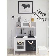 Ikea Hacks: Adorable Ideas To Remodel The Duktig Play Kitchen Ikea Kids Kitchen, Diy Kitchen Storage, Diy Storage, Kitchen Hacks, Storage Ideas, Deco Kids, Kids Decor, Home Decor, Kids Corner