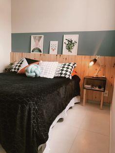 Ideas Bedroom Rustic Chic Closet For 2019 Bedroom Green, Bedroom Colors, Rustic Master Bedroom, Home Design Software, Ideas Hogar, Teen Room Decor, Trendy Bedroom, New Room, Home Office