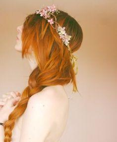Beautiful copper red hair in a braid + flower headband