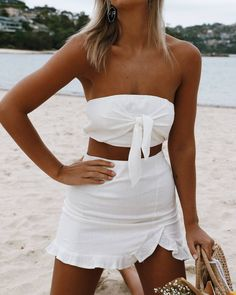 Look hot af in our new 'Hands Up Top - White Linen' + 'Hands Up Skirt - White Linen' + 'Abstract Earrings' ♡ all online now at Stelly.com.au #stellyclothing