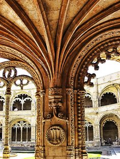 Cloister column detail, Jerónimos monastery in Lisbon, Portugal Places In Portugal, Portugal Travel, Spain And Portugal, Saint Marin, Lisbon Restaurant, Voyage Europe, Place Of Worship, Nightlife Travel, Beautiful Architecture