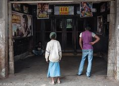 Street scene in Kolkata #India #people #travel #streetphotography #1001people #all_mypeople #bnw_magazine #digers_venezuela #everydayeverywhere #eyeem #great_captures_people #great_portraits #insta_anadolu #ic_thestreets #igworldclub #ig_street #people_and_world #peoplecreatives #peoplelikeus #photoinstagram #photooftheday #photo_storee #phototag_it #re_tratos #street_photo_club #streetlife_award #streetportrait #streetphoto #snapso