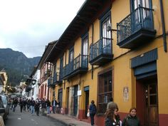 Free Walking Tour around La Candelaria Historic Center provided by Instituto Distrital de Turismo, the Official Tourism Office of Bogotá. Runs every day at 10 am or 2 pm in English and Spanish. Walking Tour, Colonial, Trip Advisor, Tourism, Spanish, Street View, Nice, Bogota Colombia, Countries