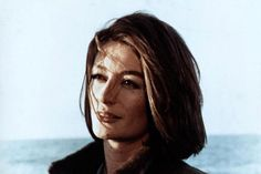 anouk aimee - Hledat Googlem Timeless Elegance, Timeless Beauty, Anouk Aimee, My Kind Of Woman, Great Pic, Portrait, Artist At Work, Face And Body, Comedians