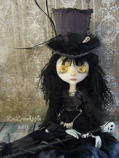 Hey, I found this really awesome Etsy listing at https://www.etsy.com/listing/218884503/lulusapple-art-doll-magic-madame
