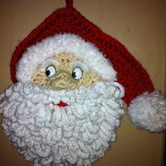 "Another pinner said ""Crochet Santa. My own design. No pattern"" Crochet Christmas Wreath, Crochet Christmas Decorations, Beaded Christmas Ornaments, Christmas Knitting, Crochet Tree, Crochet Santa, Crochet Snowman, Holiday Crochet Patterns, Crochet Wall Hangings"