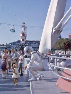 Tomorrowland Spaceman