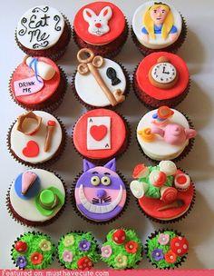 Alice in Wonderland Wedding Theme / Alice in Wonderland cupcakes Disney Cupcakes, Cupcake Cakes, Cupcake Ideas, Alice In Wonderland Wedding Theme, Alice In Wonderland Cupcakes, Wonderland Party, Mad Hatter Cake, Mad Hatter Tea, Mad Hatters