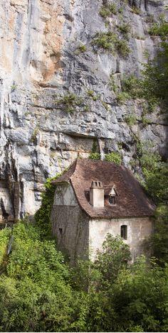 Moulin de la fontaine de la pescalerie, Cabrerets, France