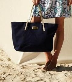 Lilly Pulitzer Resort Tote in True Navy